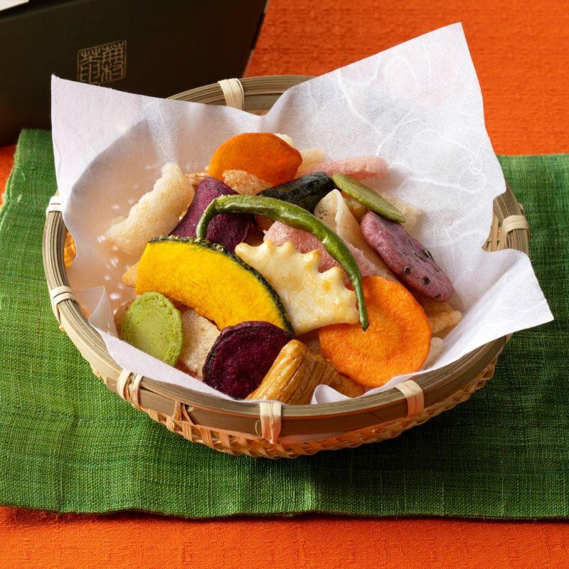【季節・数量限定】色とりどりの野菜チップス「やさいふきよせ」